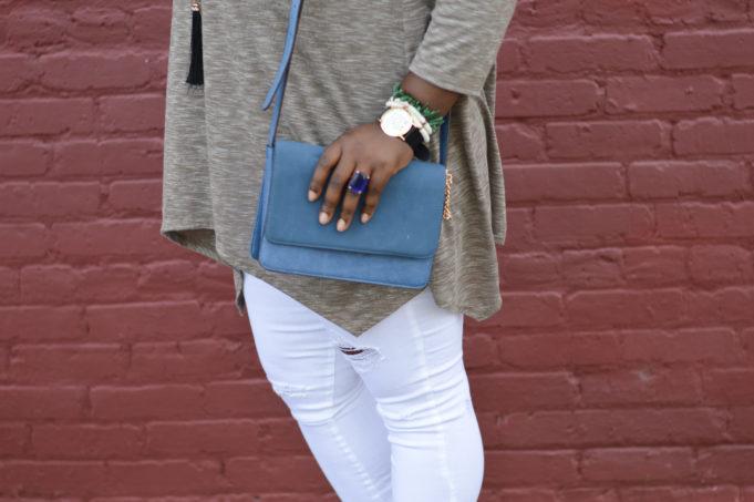 White jeans + piko top